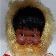 Muñecas Modernas: MAGNIFICO Y ANTIGUO MUÑECO ESQUIMAL DE LOS AÑOS 60 - MADE IN CANADA - EN SU CAJA DE ORIGEN-. Lote 74261767