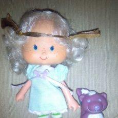 Muñecas Modernas: TARTA DE FRESA DE LOS 80: CABELLO DE ÁNGEL CON SU MASCOTA. Lote 75651774