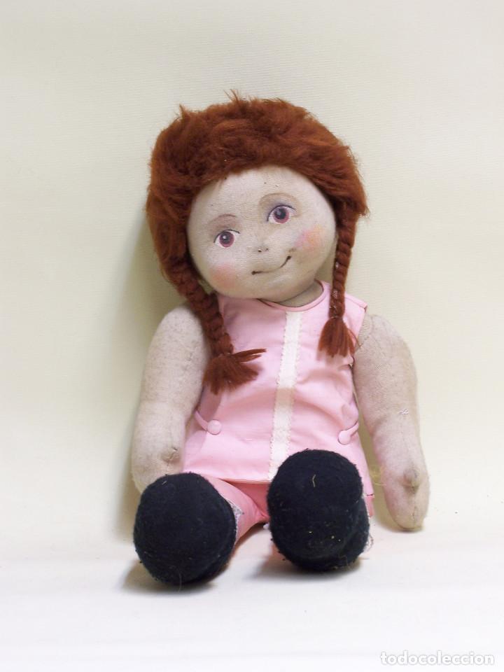 Muñecas Modernas: Muñeca de trapo, con cara pintada y pelo de lana. Años 70. Altura: 52 cm. - Foto 2 - 75873571