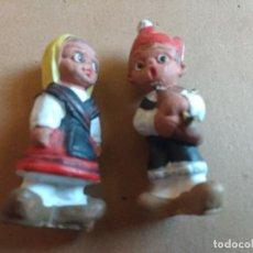Muñecas Modernas: PAREJA DE GRACIOSOS MUÑECOS DE BARRO, ASTURIANOS, ASTURIAS. . Lote 76954433