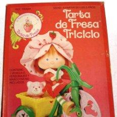 Muñecas Modernas: TARTA DE FRESA: TRICICLO. NUEVO. SIN USAR . AÑOS 80. Lote 78157661