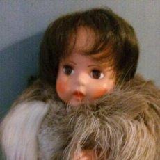 Muñecas Modernas: MUÑECA TRADICIONAL FINLANDESA TRAJE TIPICO PIEL AUTENTICA. Lote 83272216