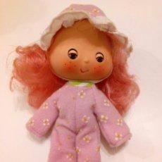 Muñecas Modernas: TARTA DE FRESA DE LOS 80: TARTA DE FRAMBUESA EN PIJAMA SWEET SLEEPER. Lote 85350638