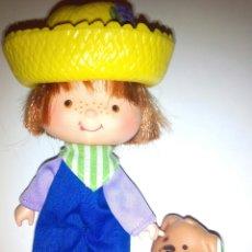 Muñecas Modernas: TARTA DE FRESA DE LOS 80: CARAMELO CON SU MASCOTA. Lote 105105878
