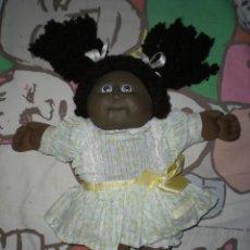 Muñecas Modernas: BONITA MUÑECA CABBAGE PATCH KID NEGRA MULATA AÑOS 78/82 SELLADA COMPLETA DE ORIGEN MUY BUEN ESTADO. Lote 85943832
