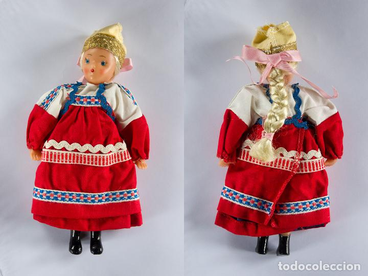 MUÑECA RUSA TRAJE TRADICIONAL AÑOS 60, 20CM. DE ALTURA (Juguetes - Muñeca Extranjera Moderna - Otras Muñecas)