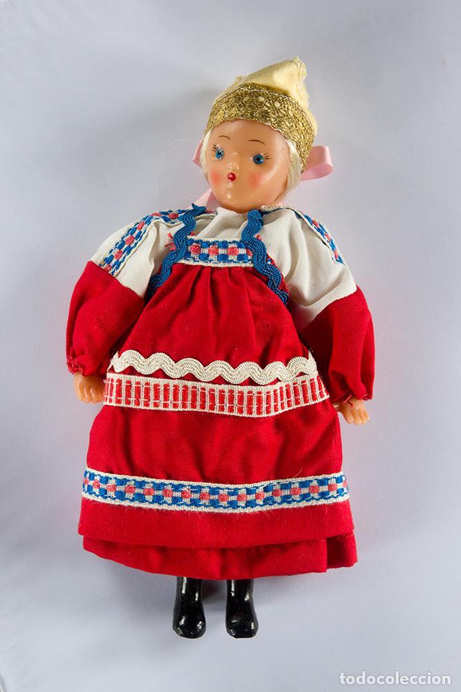 Muñecas Modernas: Muñeca rusa traje tradicional años 60, 20cm. de altura - Foto 2 - 86581552