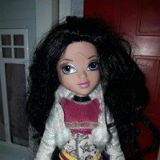 Muñecas Modernas: PRECIOSA MUÑECA CON ROPA INCLUIDA MOXIE GIRLZ ORIGINAL MGA VER FOTOS ARTICULADA . Lote 93397550