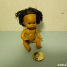 Muñecas Modernas: PEQUEÑA MUÑECA (MULATA / NEGRA) MADE IN CHINA - MIDE: 10,3 CM DE ALTO. Lote 95449087