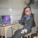 Muñecas Modernas: MUÑECA ELLOWYNE DE TONNER CON ESCRITORIO Y MÁS. Lote 95513223