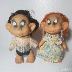 Muñecas Modernas: LOTE DE DOS MUÑECAS DE GOMA FRANCESAS LAFLEX AÑOS 60-70. Lote 100764235
