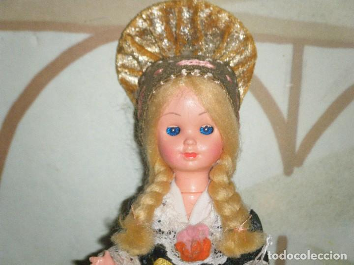 Muñecas Modernas: ANTIGUA MUÑECA REGIONAL EUROPEA. OJOS DURMIENTES. - Foto 2 - 102437875