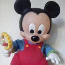 Muñecas Modernas: EXPLENDIDO Y ANTIGUIO MIKEI DISNEY ANOS 60 FONCIOA A BATARIA SE MUEVO LAS MANOS. Lote 103090975