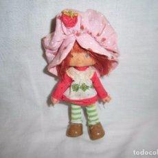Muñecas Modernas: MUÑECA TARTA DE FRESA MARCADA EN LA NUCA AMERICAN GREENTIGS 1979. Lote 103796339