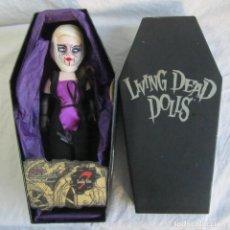 Muñecas Modernas: LIVING DEAD DOLLS FIGURA VANITY SERIE 7 PECADOS CAPITALES. EN CAJA ATAUD. Lote 104545411