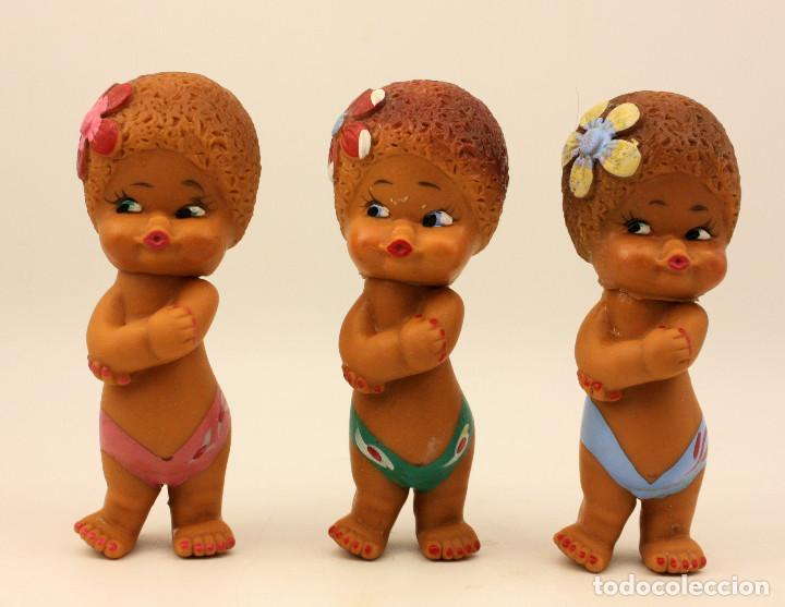 LOTE DE 3 ANTIGUOS MUÑECOS DE GOMA - MARCADOS EN LA NUCA CON CUBA - PROBABLE AÑOS 60 / 70 (Juguetes - Muñeca Extranjera Moderna - Otras Muñecas)