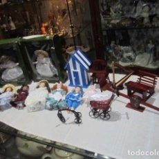 Muñecas Modernas: COLECCIÓN DE 9 MUÑECAS VICTORIANAS DE PORCELANA, CON 7 ACCESORIOS.. Lote 107070019