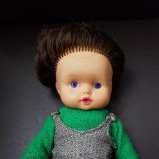 Muñecas Modernas: PRECIOSA MUÑECA ALEMANA AÑOS 60. Lote 111065550