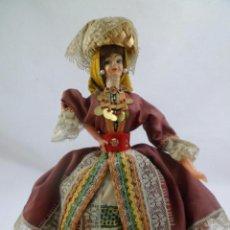 Muñecas Modernas: EUROPA. MUÑECA TRAJE REGIONAL EUROPEO. 28 CMS.. Lote 112416619