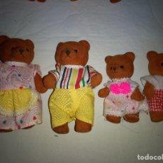Muñecas Modernas: SYLVANIAN FAMILIES OSOS -FAMILIA DE 4 OSOS ORIGINAL AÑOS 70. Lote 113439283