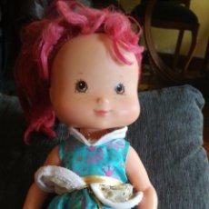 Muñecas Modernas: MUÑECA TARTA DE FRESA. Lote 116704560