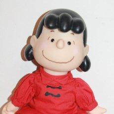Muñecas Modernas: MUÑECA LUCY - CHARLIE BROWN - 1952-1966. UNITED FEATURES. MIDE 26 CM. INFORMACIÓN. 3 FOTOS.. Lote 119225211