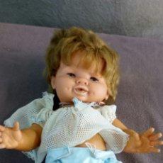 Muñecas Modernas: MUÑECA ANTIGUA SIN IDENTIFICAR PAÑAL Y CHUPETE. Lote 119520568