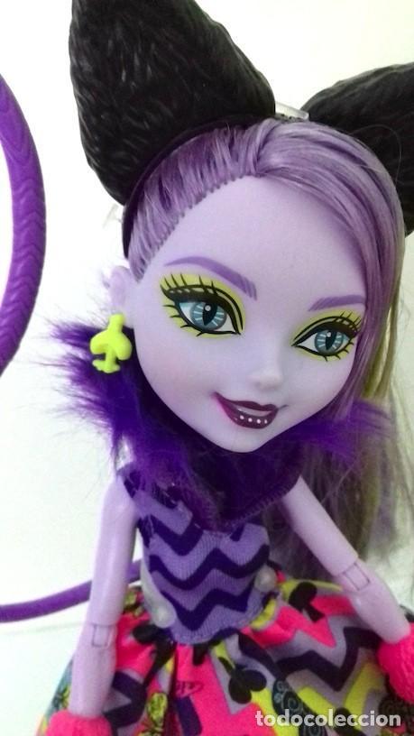 Muñecas Modernas: Muñeca Ever After High Gatita Kitty Cheshire 2015 Del País de las Maravillas Way too Wonderland - Foto 2 - 120278283