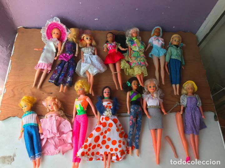 Muñecas Modernas: Lote de 58 muñecas tipo barbie años 70/80 - Foto 4 - 124678399