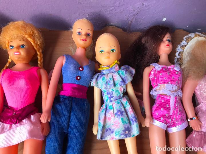 Muñecas Modernas: Lote de 58 muñecas tipo barbie años 70/80 - Foto 16 - 124678399