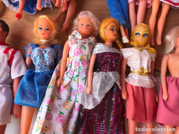 Muñecas Modernas: Lote de 58 muñecas tipo barbie años 70/80 - Foto 32 - 124678399