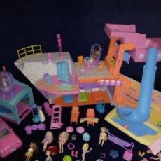 Muñecas Modernas: LOTE DE MUÑECAS POLLY POCKET CON MUCHOS COMPLEMENTOS.. Lote 129075187