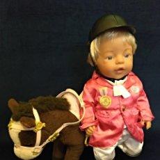 Muñecas Modernas: MUÑECO BABY BORN CON PELO RUBITO DE LOS 90,CON SU CABALLITO.. Lote 130104643