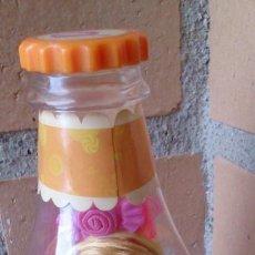 Muñecas Modernas: MUÑECA DOLL LUCY LOLLIPOP YUMMI LAND CANDY POP EN BOTELLA. Lote 130386086