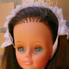 Moderne Puppen - Muñeca maniquí francesa Cathie antigua morena vestida de servicio sirvienta - 131039992