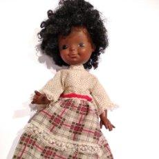 Muñecas Modernas: ANTIGUA MUÑECA NEGRITA PELO RIZADO, AFRO. FURGA . ITALY.. Lote 132248974