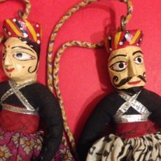 Muñecas Modernas: PAREJA DE MUÑECAS DE MADERA HECHAS A MANO. Lote 132585442