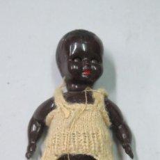 Muñecas Modernas: MUÑECO BEBE NEGRO DE CELULOIDE. AÑOS 30. Lote 134392978
