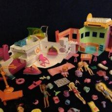 Muñecas Modernas: LOTE DE MUÑECOS POLLY POCKET YATE Y CASA,CON MUÑECAS Y COMPLEMENTOS.. Lote 135358046