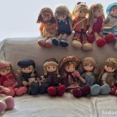 Muñecas Modernas: LOTE 13 PRECIOSAS MUÑECAS MUSICALES DE TRAPO. Lote 137403702