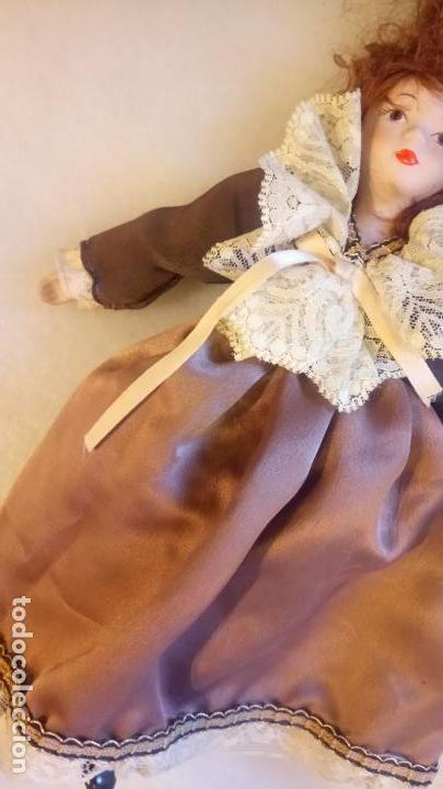 Muñecas Modernas: Antigua muñeca de Europa con precioso vestido . porcelana - Foto 3 - 142781806
