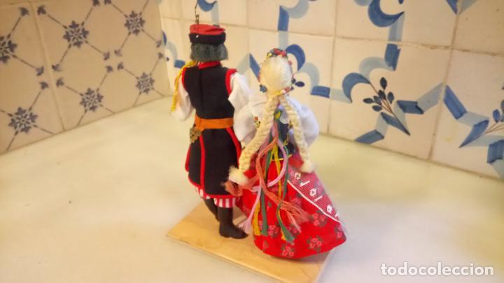 Muñecas Modernas: Antiguas muñecas con vestidos tradicionales - Foto 5 - 142782354