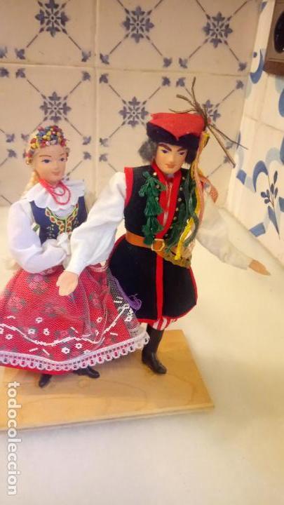 Muñecas Modernas: Antiguas muñecas con vestidos tradicionales - Foto 6 - 142782354