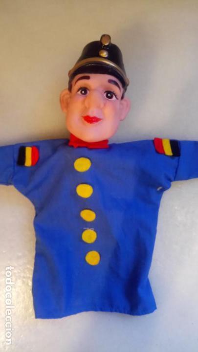 Muñecas Modernas: Antiguo titere, muñeco de belgica de goma y ropa - Foto 2 - 142782554