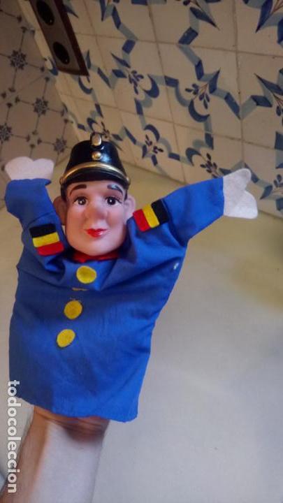 Muñecas Modernas: Antiguo titere, muñeco de belgica de goma y ropa - Foto 4 - 142782554