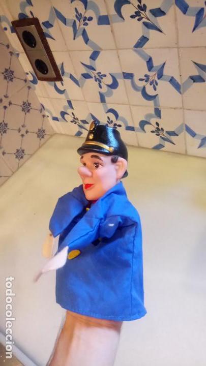 Muñecas Modernas: Antiguo titere, muñeco de belgica de goma y ropa - Foto 6 - 142782554