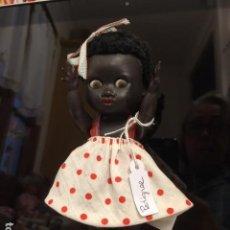 Muñecas Modernas: MUÑECA NEGRITA DE MATERIAL PLÁSTICO DE LA MARCA PEDIGREE. Lote 145727158