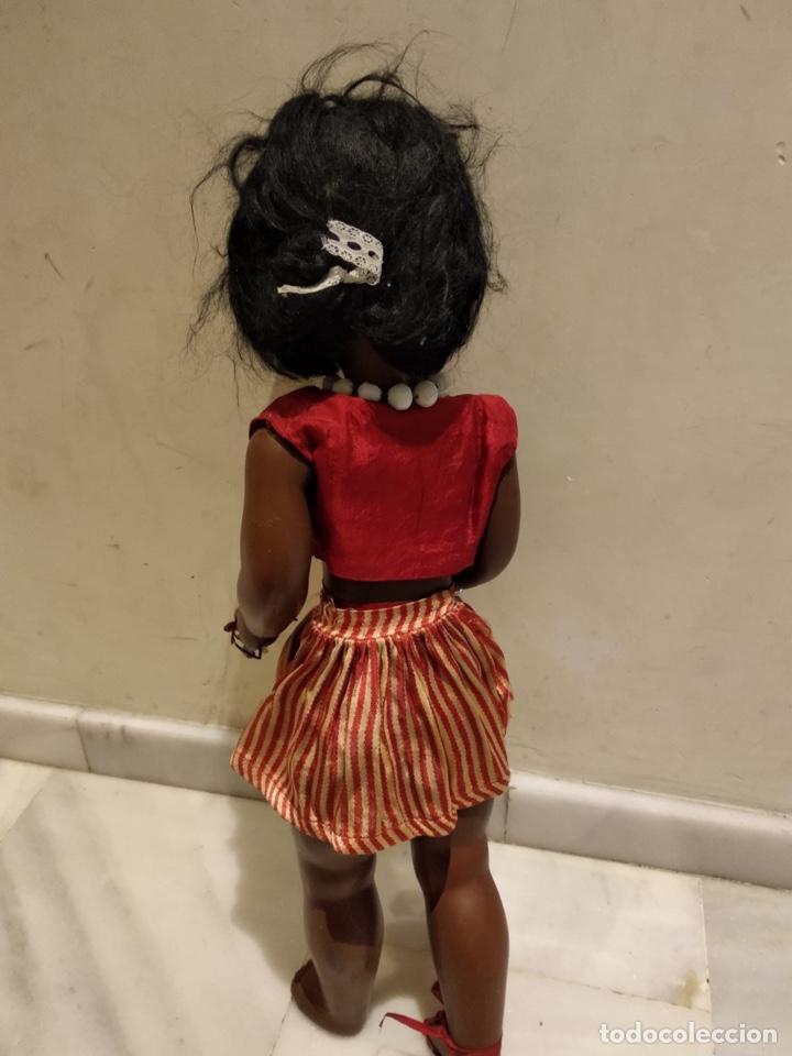 Muñecas Modernas: Muñeca negra creo que italiana, marcada - Foto 13 - 147245553