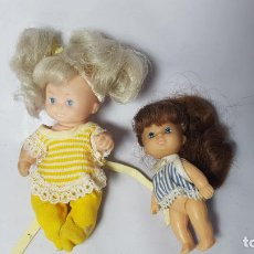 Muñecas Modernas: LOTE DE DOS MUÑECAS PEQUEÑAS, AÑOS 70, HERMANAS BARBIE? FAMILIA CORAZON ?. Lote 147248934