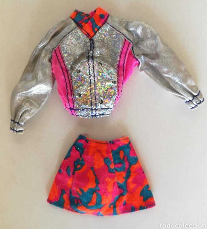 Moderne Puppen: Sindy de hasbro ritmo rock ropa disco chaqueta y falda barbie - Foto 2 - 147775736